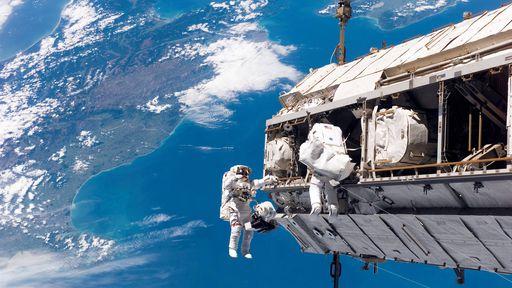 Turista poderá fazer caminhada espacial durante estadia na ISS