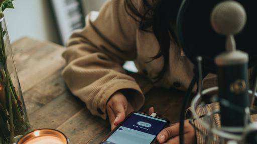 4 aplicativos para criar podcasts no celular