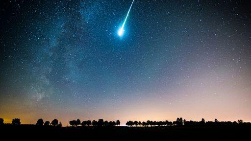 Pequenos meteoros podem chegar perto da velocidade da luz ao cruzar a atmosfera