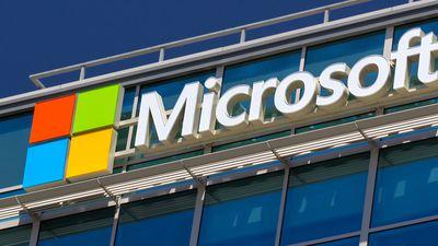 Microsoft demite mais de 3 mil funcionários para aumentar foco na nuvem