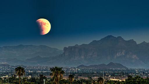 Eclipse e superlua cheia acontecerão ao mesmo tempo nesta madrugada; assista!