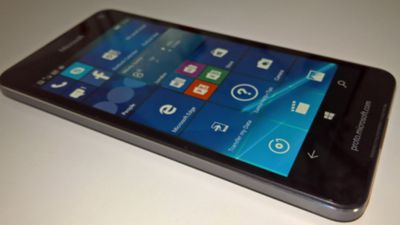 Vazamento de imagem confirma corpo de metal do Microsoft Lumia 650