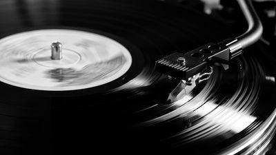 Receita de Vinil e CD ultrapassa a de downloads digitais de música nos EUA