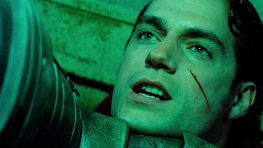 """Zack Snyder responde a críticas sobre """"momento Martha"""" em Batman vs Superman"""