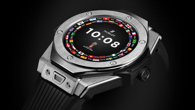 Hublot lança relógio inteligente que será usado por árbitros da Copa do Mundo