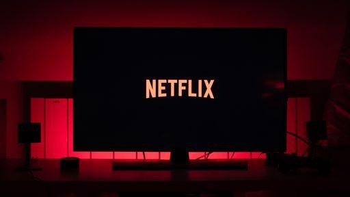 Tem alguém assistindo? Netflix vai cancelar contas inativas há mais de um ano