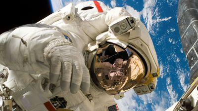 Traje espacial que poderá ser usado em Marte é apresentado