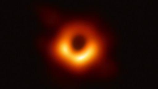 Teoria de Einstein fica mais difícil de ser contestada com foto de buraco negro
