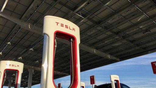 Tesla pode ser concorrente da Embraer no mercado de carros voadores