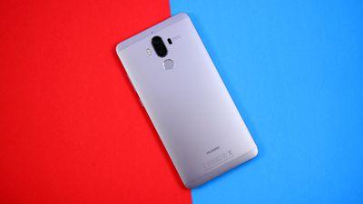 Huawei Mate 10, o smartphone com chip dedicado a IA, aparece em imagens vazadas