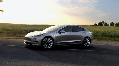 Elon Musk mostra primeiras imagens do Tesla Model 3