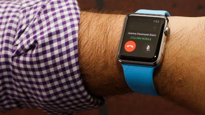 Vendas do Apple Watch caem mais de 50% no primeiro trimestre