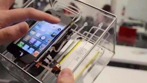 """Estudante de design cria """"Frankenphone"""", um iPhone 3GS que funciona desmontado"""
