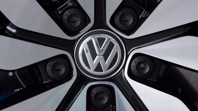 Volkswagen vai concorrer com Tesla vendendo carro elétrico de US$ 23 mil