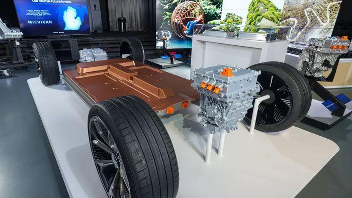 Chevrolet anuncia nova plataforma e bateria aprimorada para carros elétricos