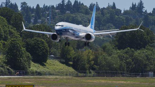 FAA restringe cargas inflamáveis em alguns Boeing 737; veja o porquê