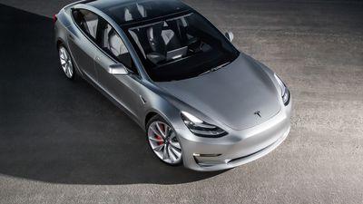 Tesla atinge marca de cinco mil carros por semana e Elon Musk comemora