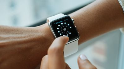 Tim Cook testa monitor de diabetes acoplado ao Apple Watch