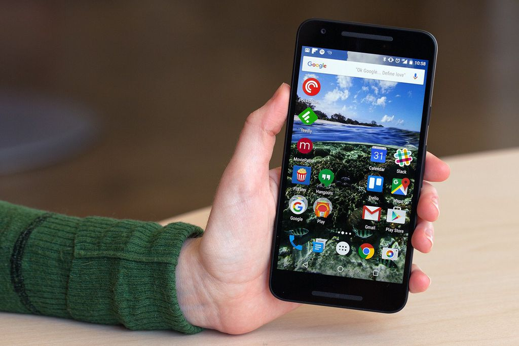 Considerado uma evolução do 5, o Nexus 5X chegou simultaneamente ao 6P e acabou sendo ofuscado por isso