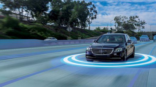 Tesla x Mercedes: quem tem o melhor sistema de direção autônoma? Vídeo mostra
