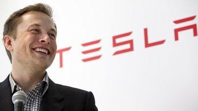 Tesla mostra interesse em comprar fábricas desativadas da GM nos EUA
