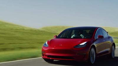 Model 3, da Tesla, fica ainda mais veloz graças à nova atualização de software