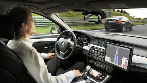 Carros que dirigem sozinhos poderão reduzir 90% dos acidentes de trânsito