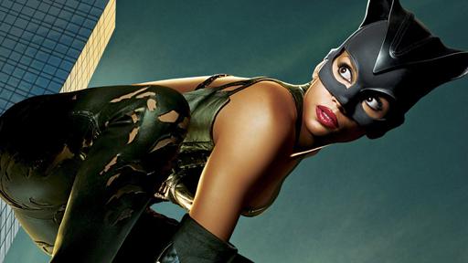 Pagando bem... Halle Berry revela por que não se arrepende de Mulher-Gato