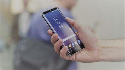 "Novos comerciais da Samsung destacam ""tela infinita"" do Galaxy S8; assista"