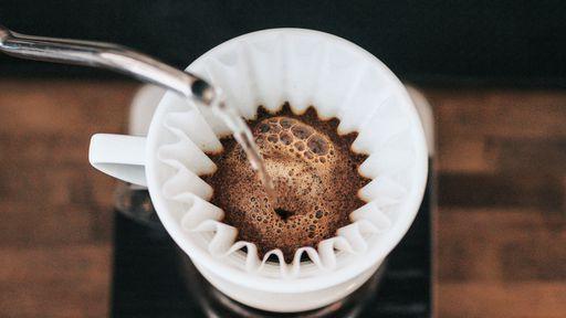 Tomar café demais pode causar demência e derrame, aponta estudo