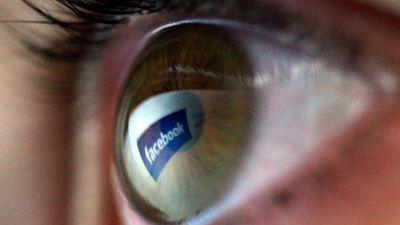 Facebook pode estar rastreando seus usuários pelo pó que fica na câmera