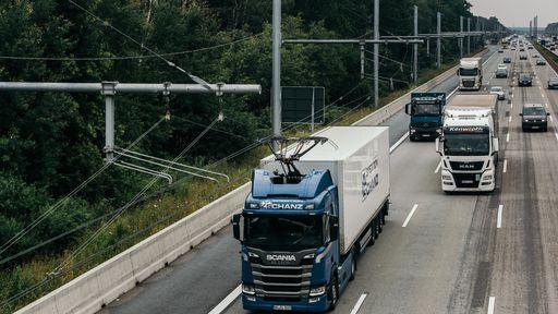 """Alemanha testa """"estradas elétricas"""" para caminhões; veja como funciona"""