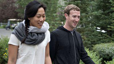 """Mark Zuckerberg e sua esposa são """"imunes"""" ao sistema de bloqueio do Facebook"""