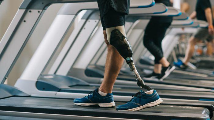 Cientistas desenvolvem prótese mecânica de perna com