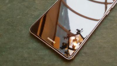 Huawei provoca o reconhecimento facial da Apple em teaser do Mate 10