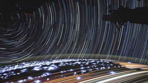 Astronauta na ISS compartilha composição incrível da Terra vista do espaço