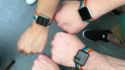 Apple celebra orgulho gay dando pulseira colorida do Apple Watch a funcionários