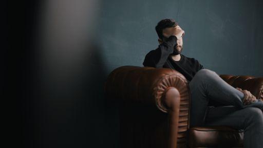 USP busca voluntários para estudo sobre tratamento da depressão via smartphone