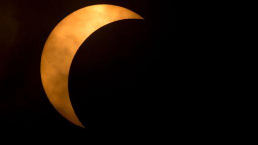 Hoje tem eclipse solar! Saiba quando e como observar o fenômeno