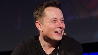 Elon Musk acredita que criar uma Força Espacial nos EUA pode ser uma boa ideia
