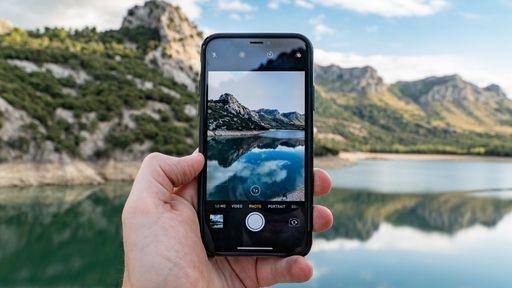 Como definir os ajustes padrão da câmera do iPhone