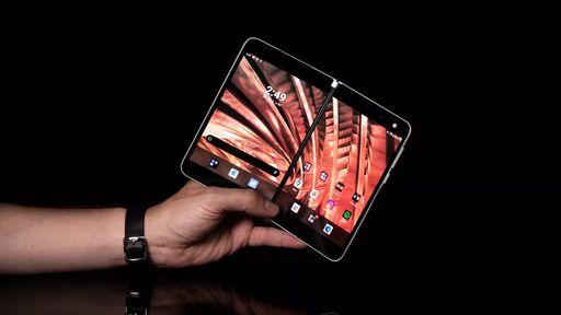 Sucessor do Surface Duo vaza com mesmo design, mas grande módulo de câmera