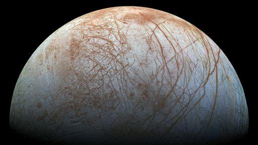 Oceano subterrâneo da lua Europa seria capaz de sustentar vida, reforça estudo