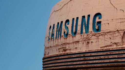 Samsung desenvolve tela OLED elástica que se molda ao pulso do usuário