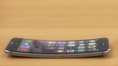 Documento revela que a Apple lançou o iPhone 6 sabendo que ele entortava
