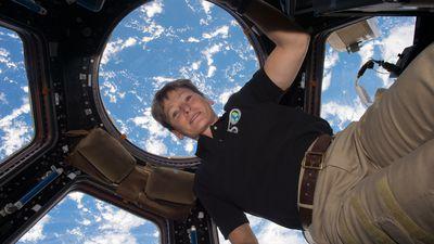 Astronauta recordista da NASA anuncia sua aposentadoria