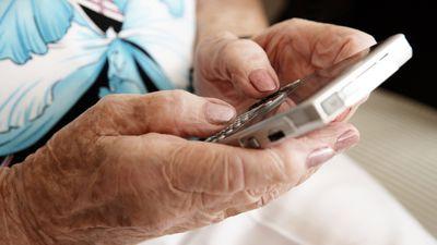 Alunos da UFPR desenvolvem wearable visando a saúde e segurança dos idosos