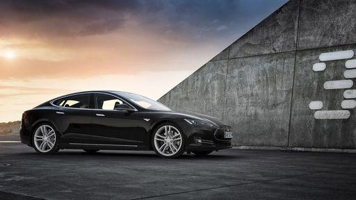 Tesla é processada por acidente fatal envolvendo piloto automático