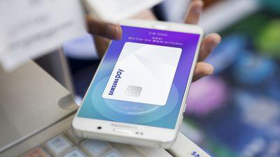 Cartões do Itaú serão aceitos no Samsung Pay a partir desta sexta-feira (22)