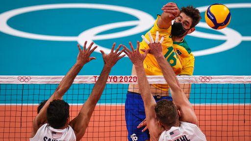 Por que Lucão, do vôlei, sempre joga de máscara na Olimpíada de Tóquio?